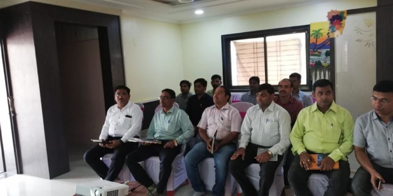 Managing Director's interaction with Staff at Site