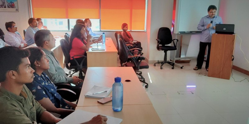 Managing Director Mr. Bhobe conducts training on 'Perspective Planning- 2025'